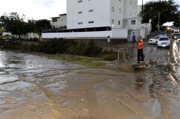 Prefeitura decreta situação de emergência após chuva causar estragos em Conquista