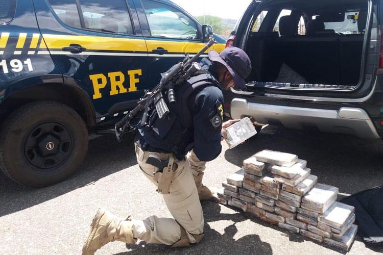 Jequié: Homem é preso com 44 kg de cocaína embaladas com foto de Pablo Escobar