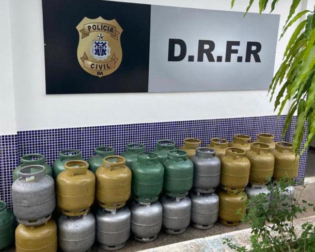 Dupla é presa após roubar carga de botijões de gás em Jequié