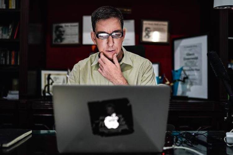 Operação Spoofing: MPF denuncia Glenn Greenwald e hackers por invasão de celulares