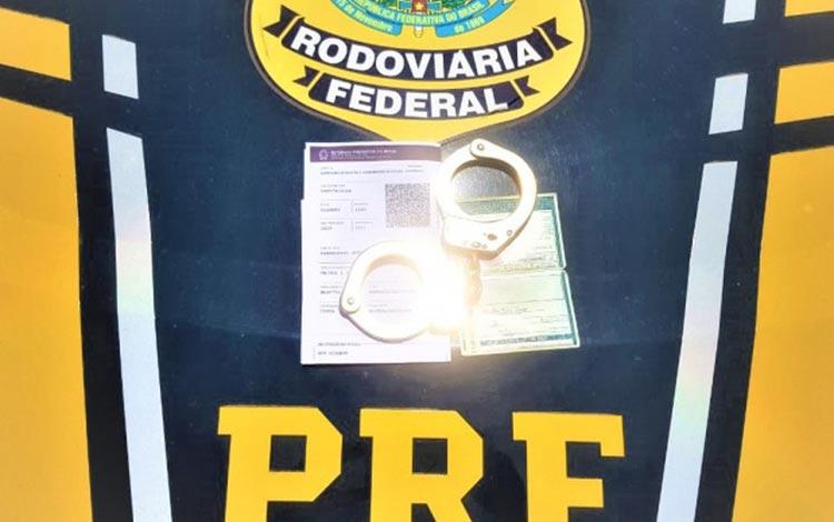 Homem é preso após ser flagrado com CNH falsa e diz que comprou documento por R$ 3mil