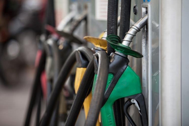 Combustíveis terminam a semana em alta nas bombas, diz ANP