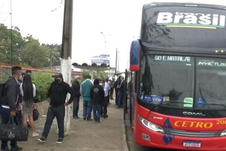 Por rotas alternativas, ônibus clandestinos chegam a Vitória da Conquista