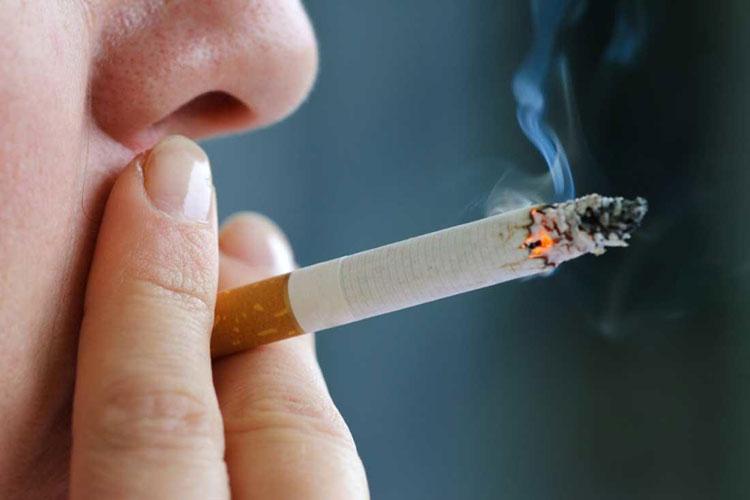 Três em cada cinco pessoas que experimentam cigarros se tornam fumantes diários