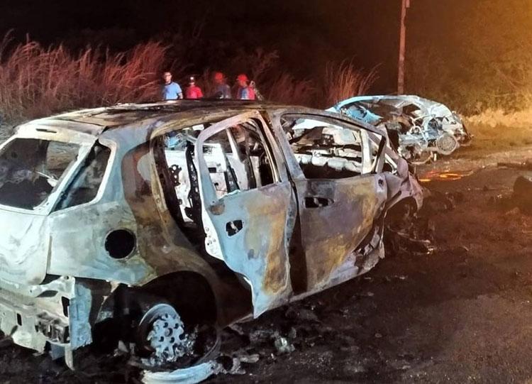 Batida entre veículos na BR-349 deixa um morto em Bom Jesus da Lapa