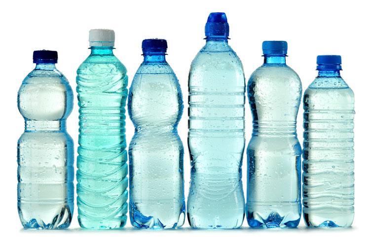 OMS vai investigar se água com plástico é prejudicial à saúde