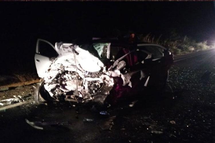 Duas pessoas morrem e uma fica gravemente ferida na BR-030 em Caetité