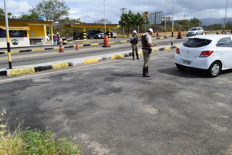 Polícia Rodoviária Estadual orienta condutores nas rodovias de acesso à Brumado