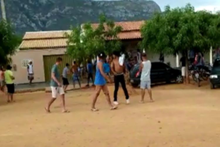 PM dispersa aglomeração e briga generalizada em localidade rural de Livramento de Nossa Senhora