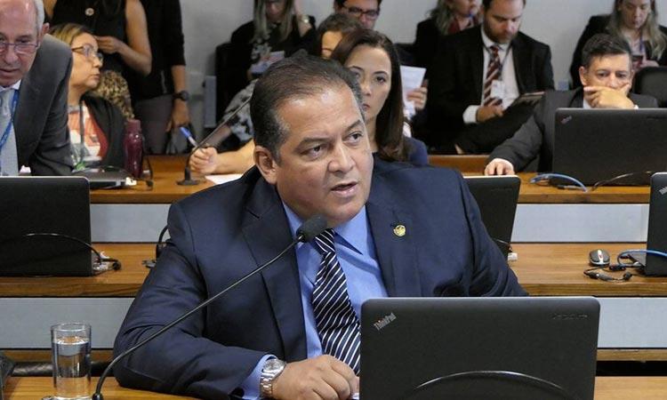 Líder do governo confirma 'nova CPMF' com alíquota de 0,2%