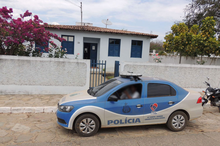 Polícia Civil prende professor por aliciar menores na cidade de Rio de Contas