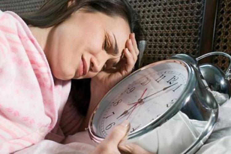 Dormir menos de 6 horas aumenta risco de doenças cardiovasculares