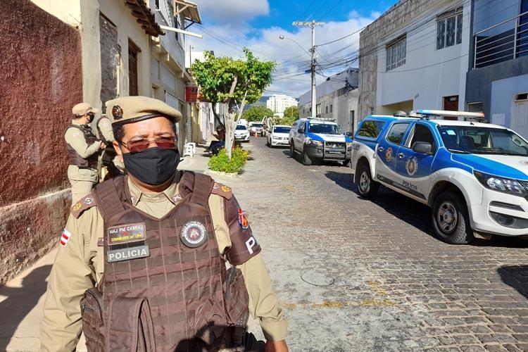 Vacina chega na região de Brumado sob forte esquema de segurança