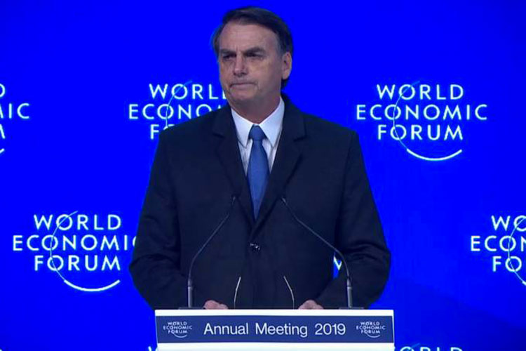 Fórum de Davos: Brasil estará entre 50 melhores para negócios, diz Bolsonaro na Suíça