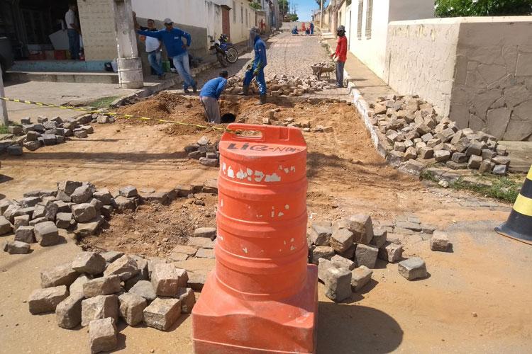 Prefeitura inicia operação tapa buracos após ressaca do temporal em Brumado