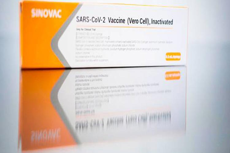 Brasil comprará 46 milhões de doses da vacina chinesa contra o novo coronavírus