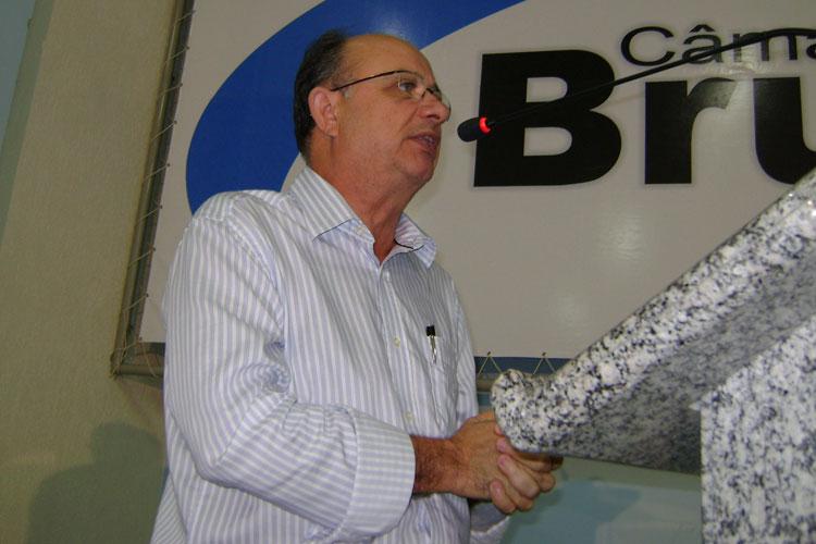 Pré-candidato ao governo da Bahia, Zé Ronaldo visita Caculé nos festejos juninos