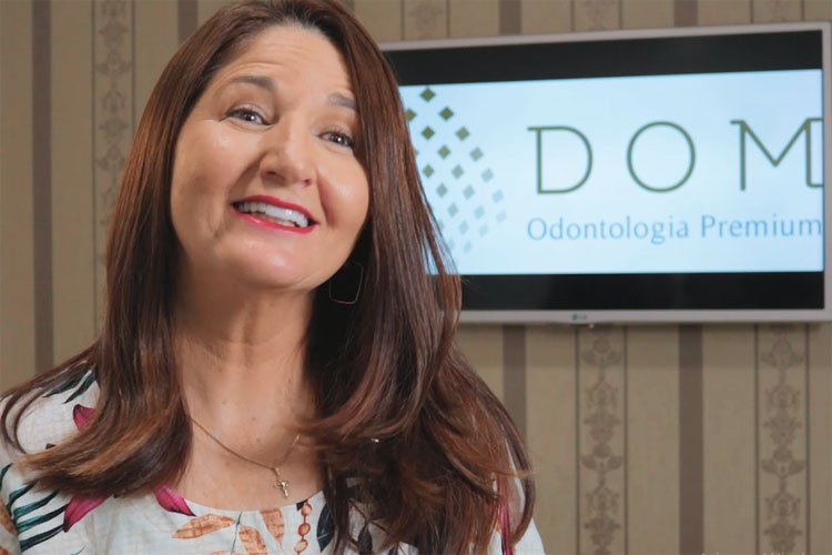 'Hoje posso sorrir como sempre sonhei', diz paciente da Dom Odontologia Premium