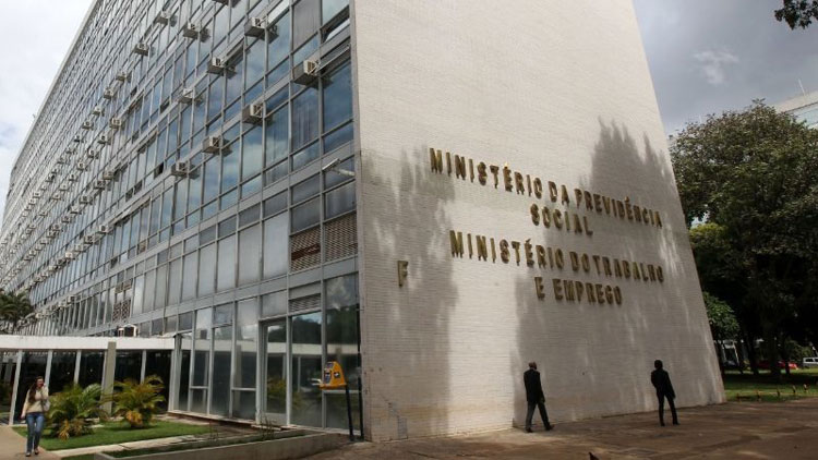 Ministério do Trabalho deverá ser fatiado em duas secretarias