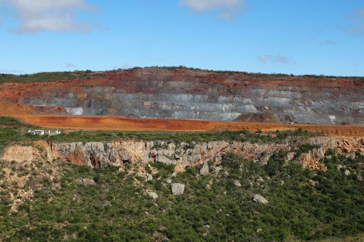 Caetité: Licença da Bahia Mineração é renovada após ajustes determinados pelo Estado