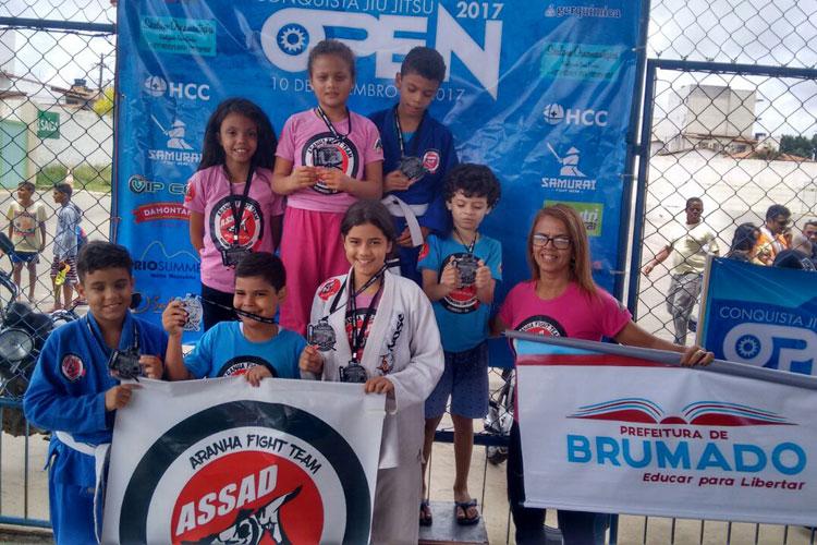 Atletas de Brumado se destacam no Campeonato de Jiu Jitsu Open em Vitória da Conquista