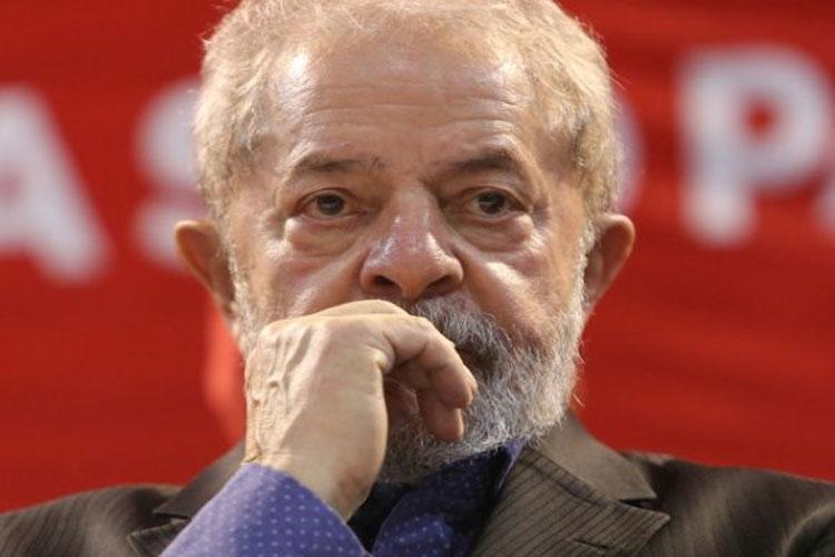 PT vai informar ao vivo prisão de Lula para mobilizar militância