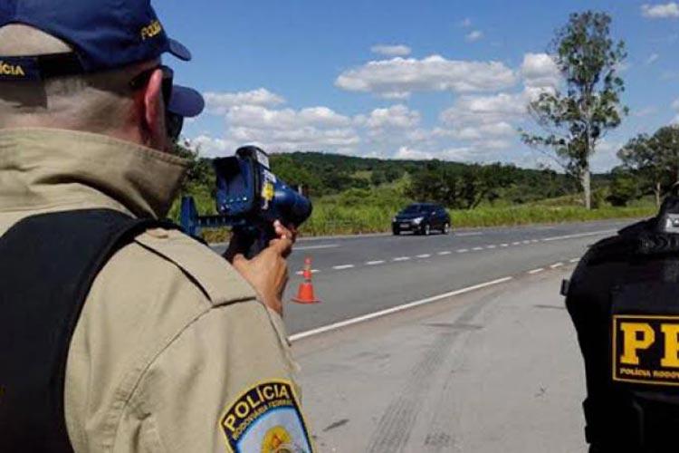 Justiça manda polícia voltar a usar radares móveis em rodovias