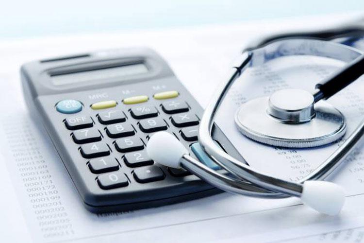 Redução do emprego tirou plano de saúde de três milhões de pessoas