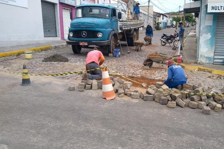 Mesmo com decreto de isolamento social, município de Brumado mantém obras de infraestrutura