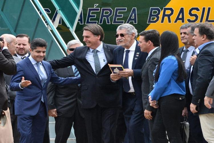 Jair Bolsonaro prevê ACM Neto presidente da República: 'Ocupará cadeira honrosa que ocupo'