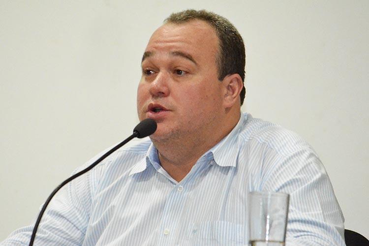 Coronavírus: Presidente da Câmara de Caculé é transferido para UTI