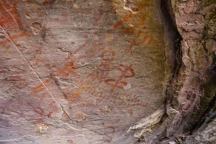 Caetité: Extração ilegal de minério compromete patrimônio histórico