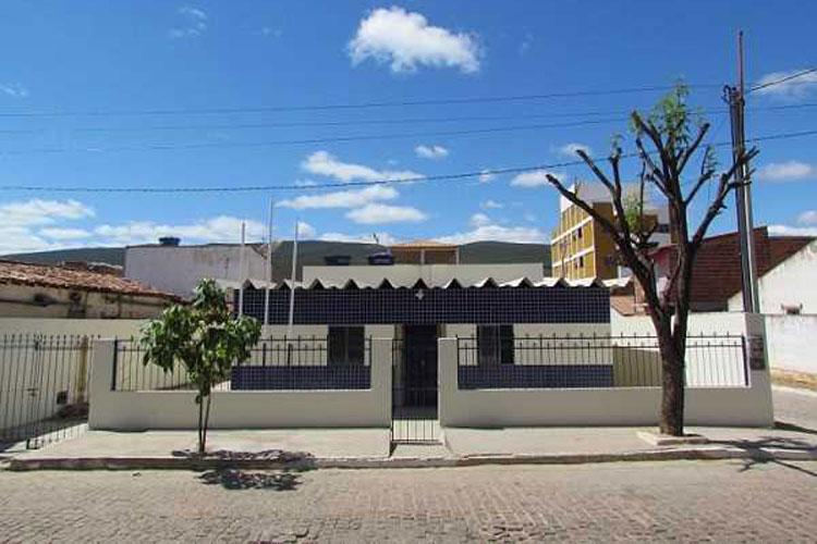Homem é preso por agredir e ameaçar companheira na cidade de Ituaçu