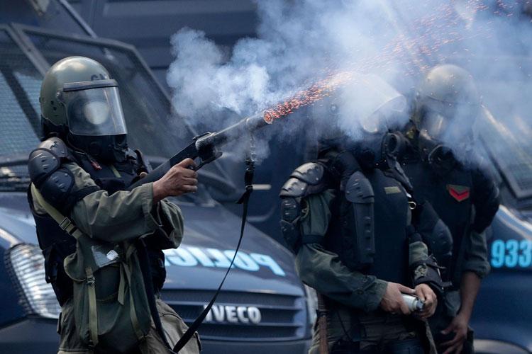 Protestos suspendem reforma da previdência na Argentina