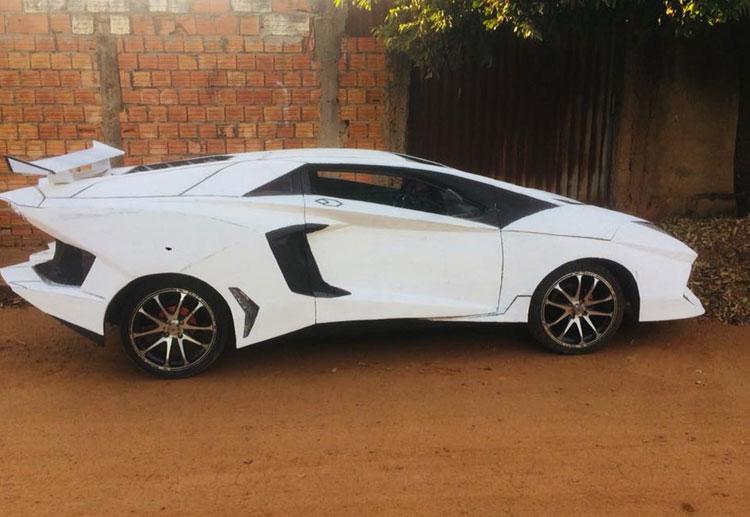 Mecânico investe R$ 3 mil para Uno 'virar' Lamborghini