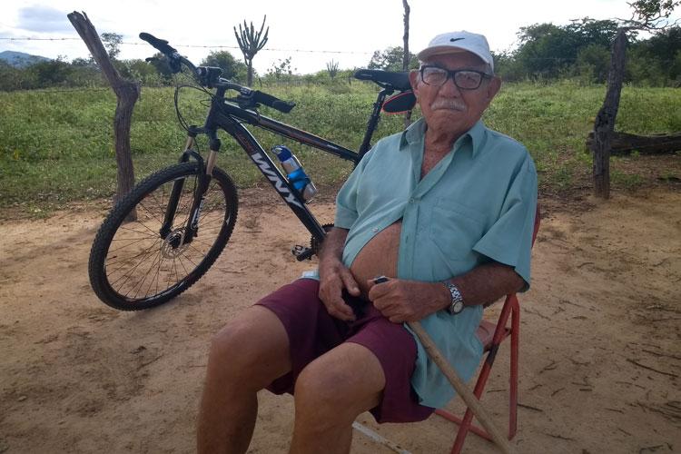Pedal na Roça: Aos 99 anos, seu Lindauro convive com o desafio da seca na comunidade Jatobá