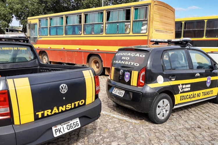 Brumado: Ônibus apreendido com motorista infectado com a Covid-19 passará por desinfecção