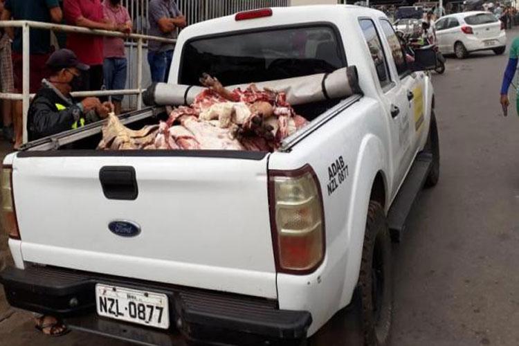 Adab apreende carne irregular e sem selo sanitário no Mercado Municipal de Caetité