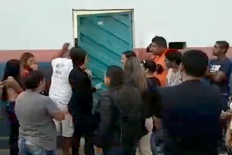 Professores concursados acusam prefeito de Aracatu de desrespeitar decreto municipal
