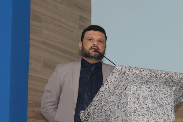 Vereador Amarildo Bomfim cobra instalação de Núcleo de Reabilitação para Covid-19 em Brumado