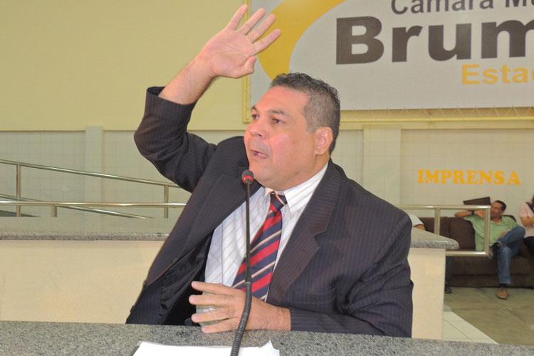'Governo de Eduardo Vasconcelos é sério e transparente', afirma Léo Vasconcelos contra denúncia da oposição