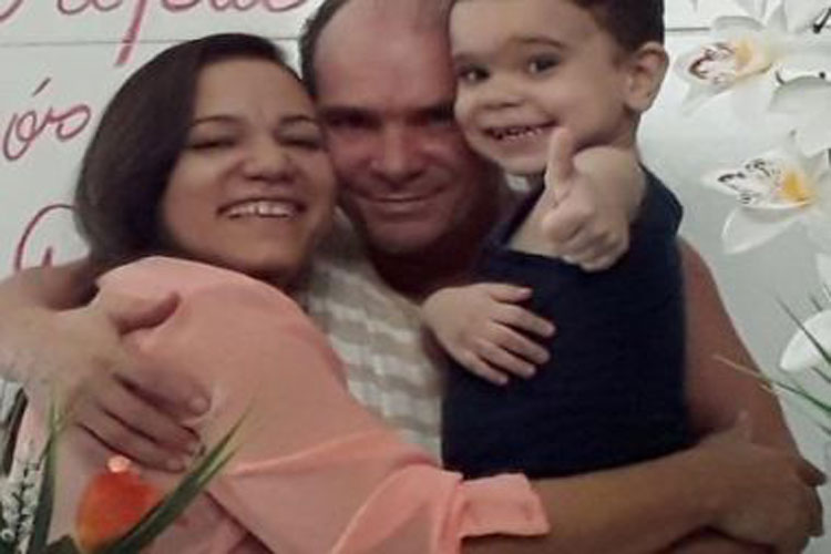 Médico cubano faz vaquinha para conseguir pegar diploma e ficar no Brasil
