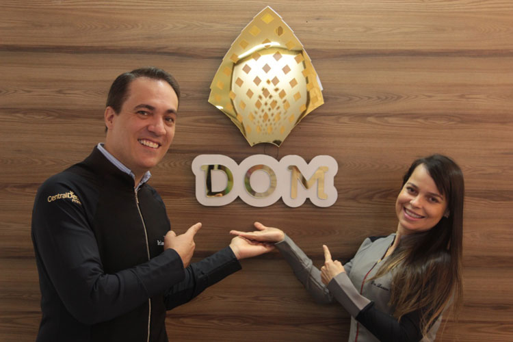 Dom Odontologia Premium: Prepare o seu sorriso para um mundo sem máscara