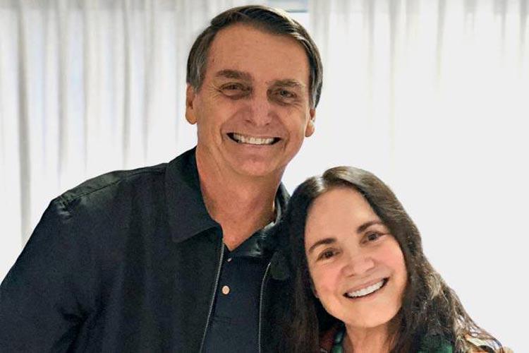 Jair Bolsonaro convida Regina Duarte para assumir Secretaria da Cultura