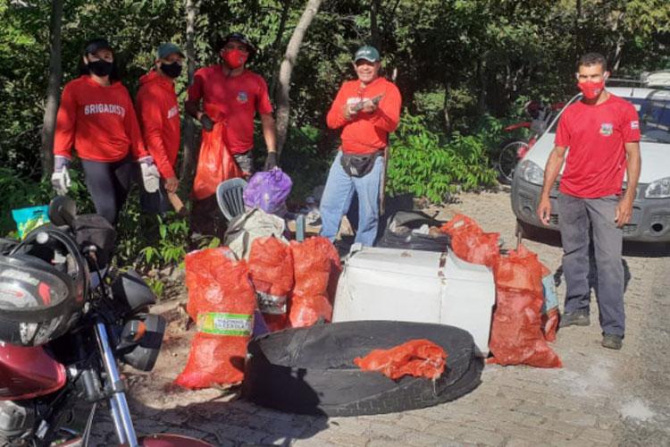 Grupo promove ação ambiental no Balneário de Livramento de Nossa Senhora