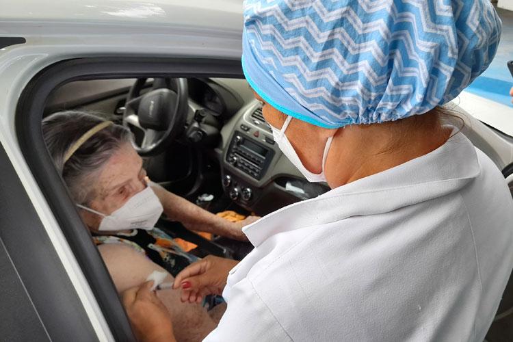 Brumado: Vacinação contra Covid foi mais tranquila na segunda-feira (1º)