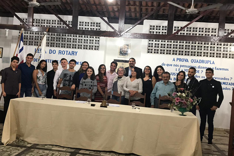 Realizada cerimônia de posse do Rotary e do Interact Club de Brumado
