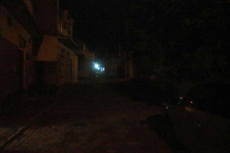 Brumado: Moradores cobram iluminação na Carlos Bonifácio e setor de iluminação cobra informação