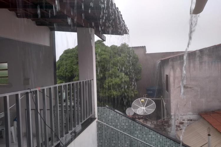 Volta a chover em Brumado nesta terça-feira (21)