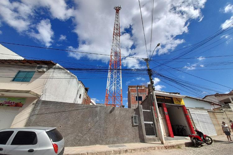 Brumado: Populares temem contaminação por radiação e protestam contra torre de telefonia